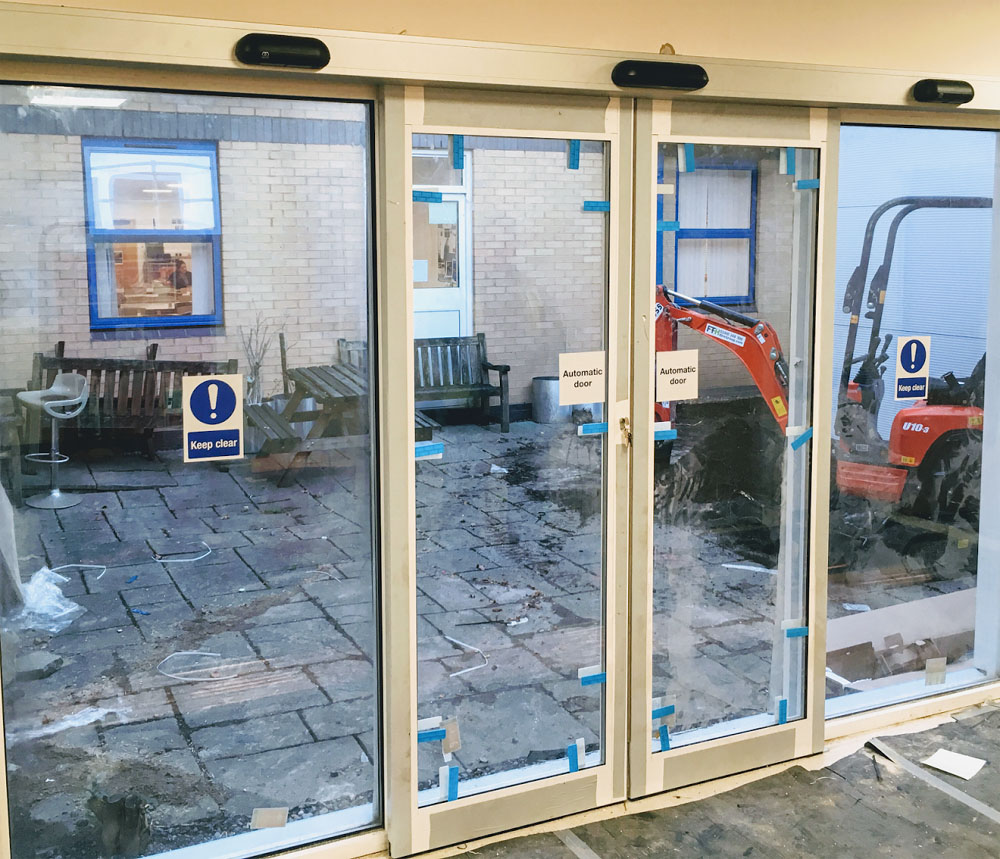 Automatic Sliding Entrance Doors